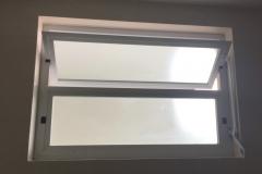 janela basculante n25